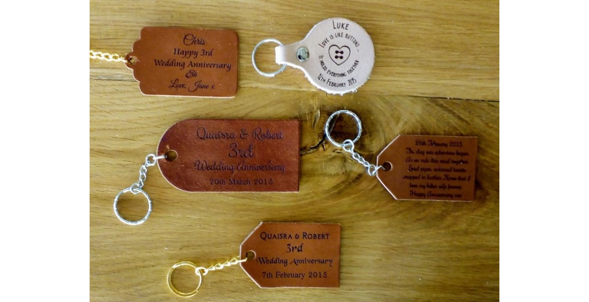 https://picturesonwood.co.uk/image/cache/catalog/Personalised%20leather%20gifts%2019%20engraved-1170x600.jpg